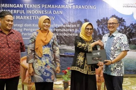 Hetifah Sjaifudian Resmi Buka Bimbingan Teknis Pemahaman Branding Wonderful Indonesia
