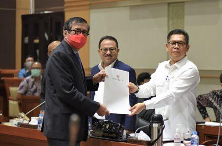 Komisi III dan Pemerintah Bahas RUU Mahkamah Konstitusi