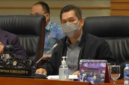 Komisi III Setujui Tiga Calon Hakim Agung dan Hakim Ad Hoc
